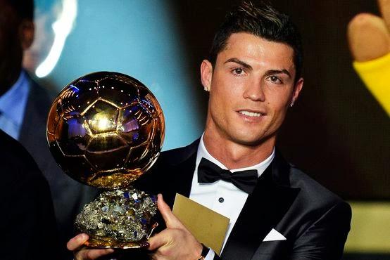 Cristiano Ronaldo vence a bola de ouro 2013