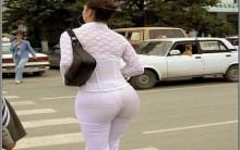Mulheres com traseiro grande são mais saudáveis e inteligentes