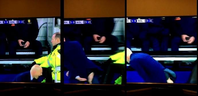 Calça de Zidane rasga-se após uma reação hilária num lance perigoso