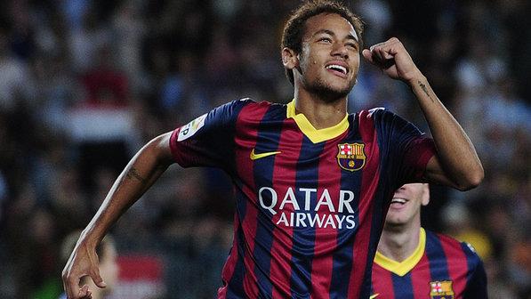 Neymar é o jogador que mais sofre faltas na Liga dos Campeões