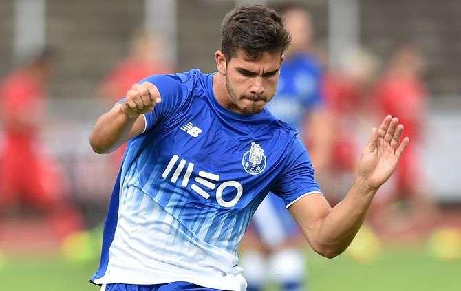 FC Porto recebeu e venceu o Estoril por (1-0)